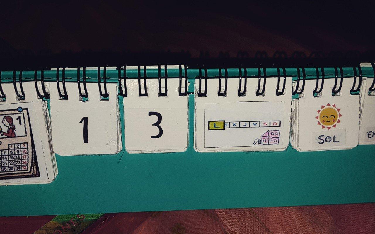 Calendario de mesa adaptado
